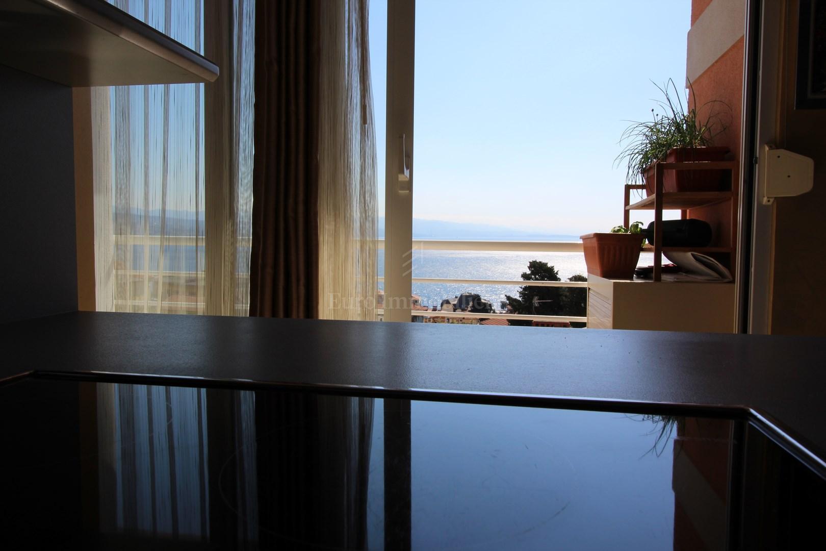 Luskuzan stan sa fantastičnim pogledom na more