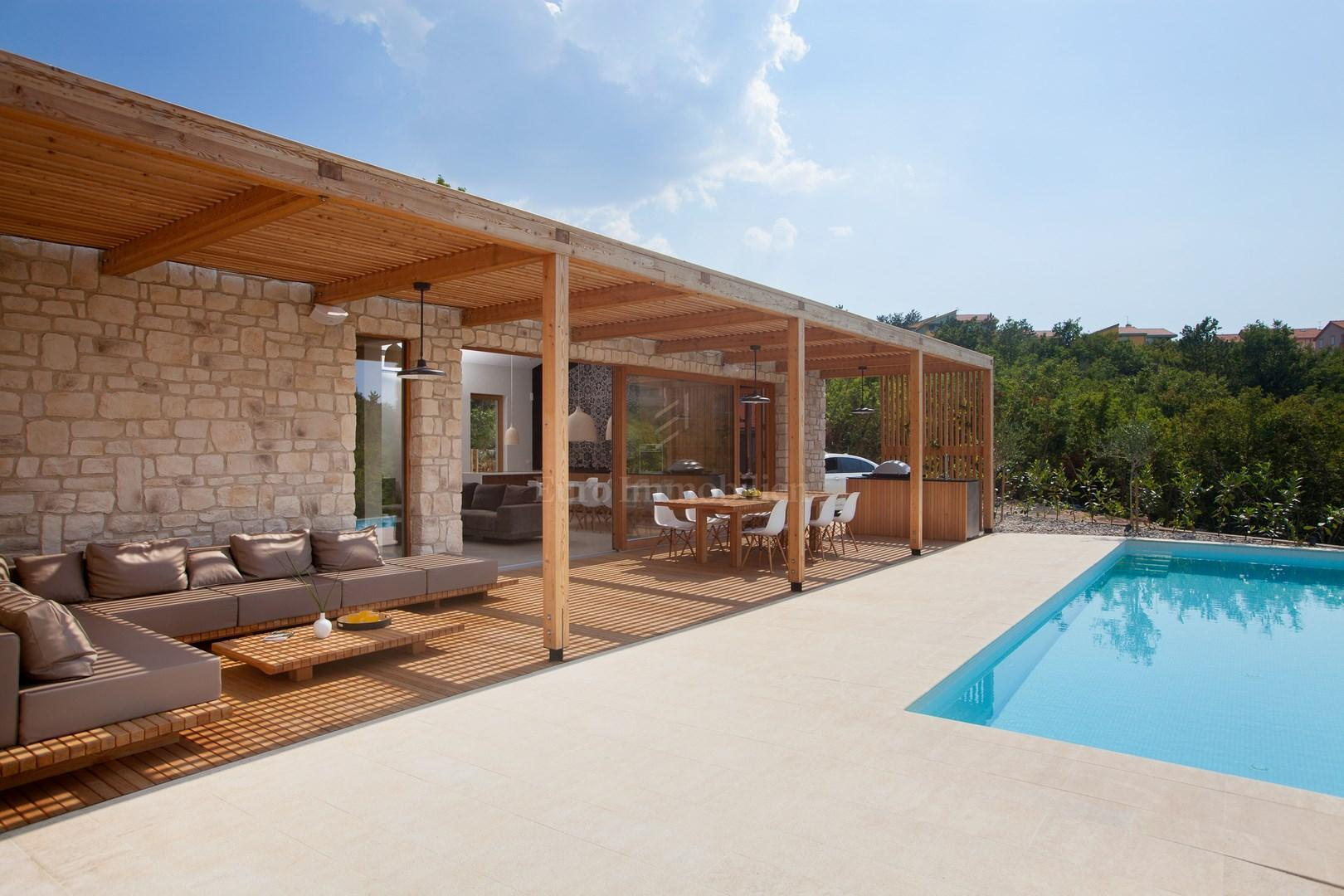 Modernes Haus Mit Swimming Pool Haus