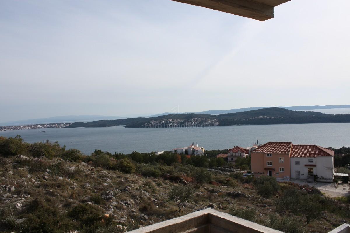 Moderne Villa mit Panoramablick auf das Meer