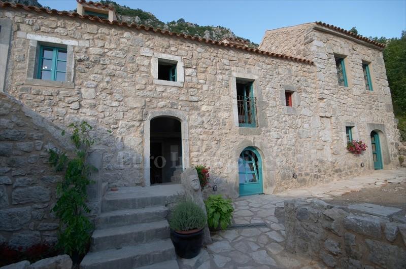Renovirana kamena kuća rustikalnog stila