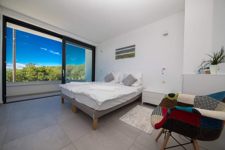 Moderna obiteljska kuća kategorizirana za turistički najam