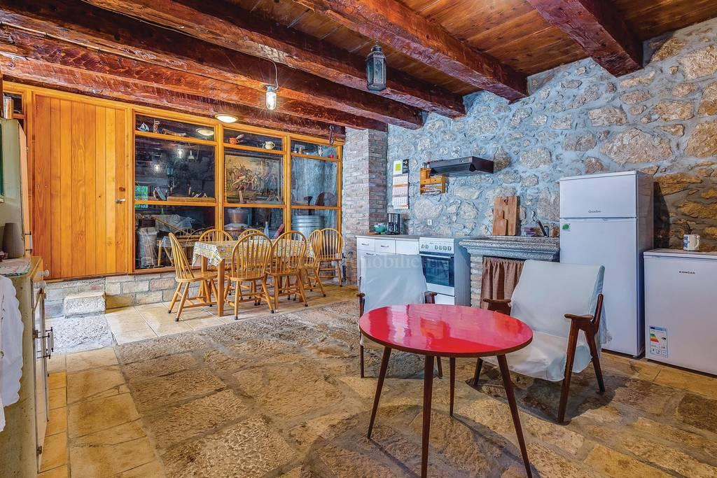 Stone house with pool, ideal for tourist rental