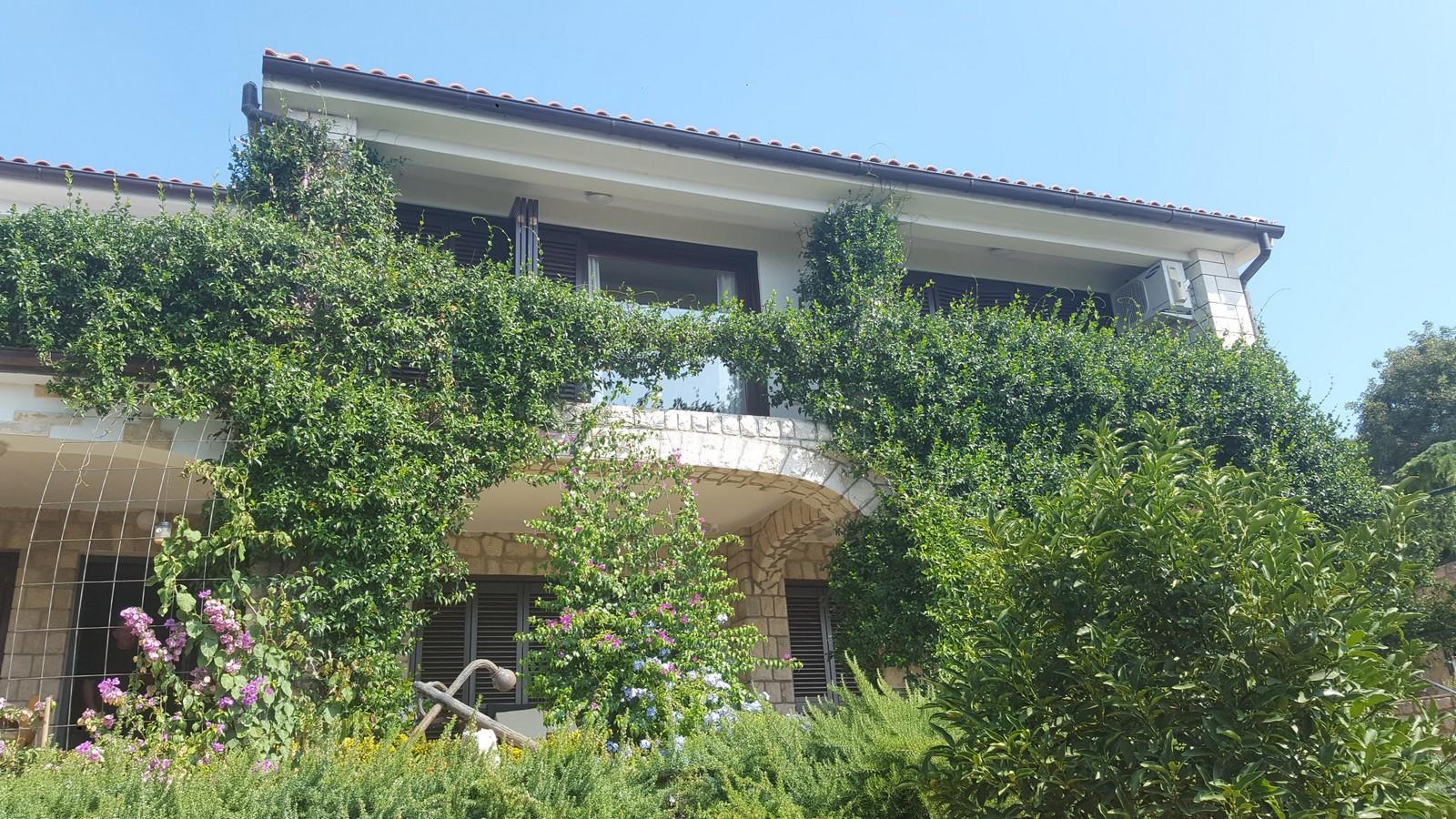 Obiteljska kuća na atraktivnoj lokaciji