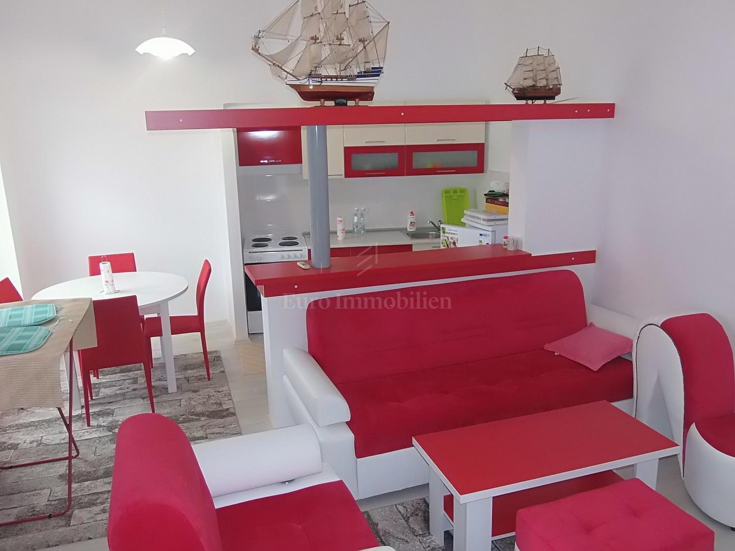 Apartment in old villa, first row to the sea