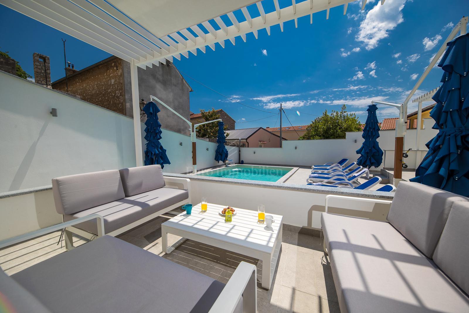 Novoizgrađeni hotel na odličnoj lokaciji, blizina plaže