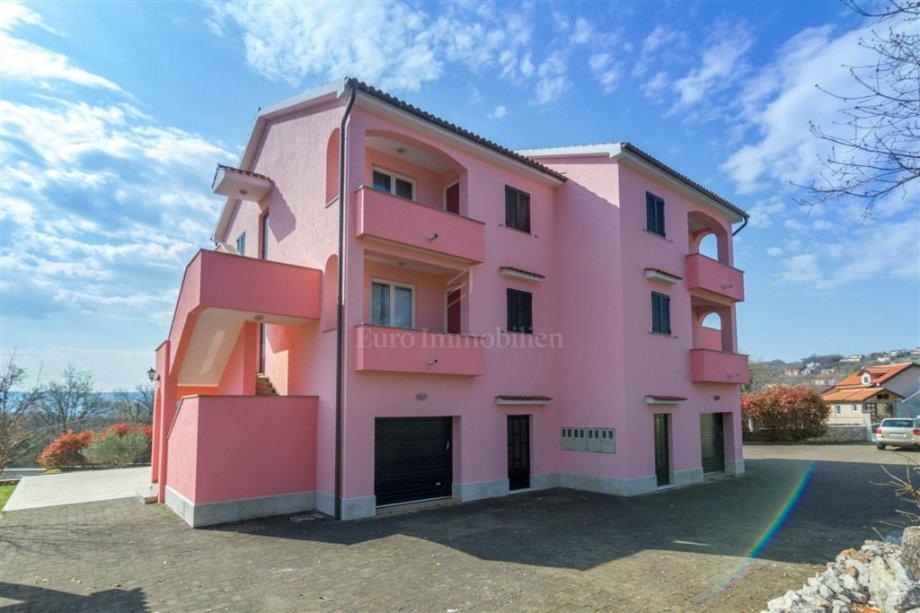 House with six apartments categorized for rent