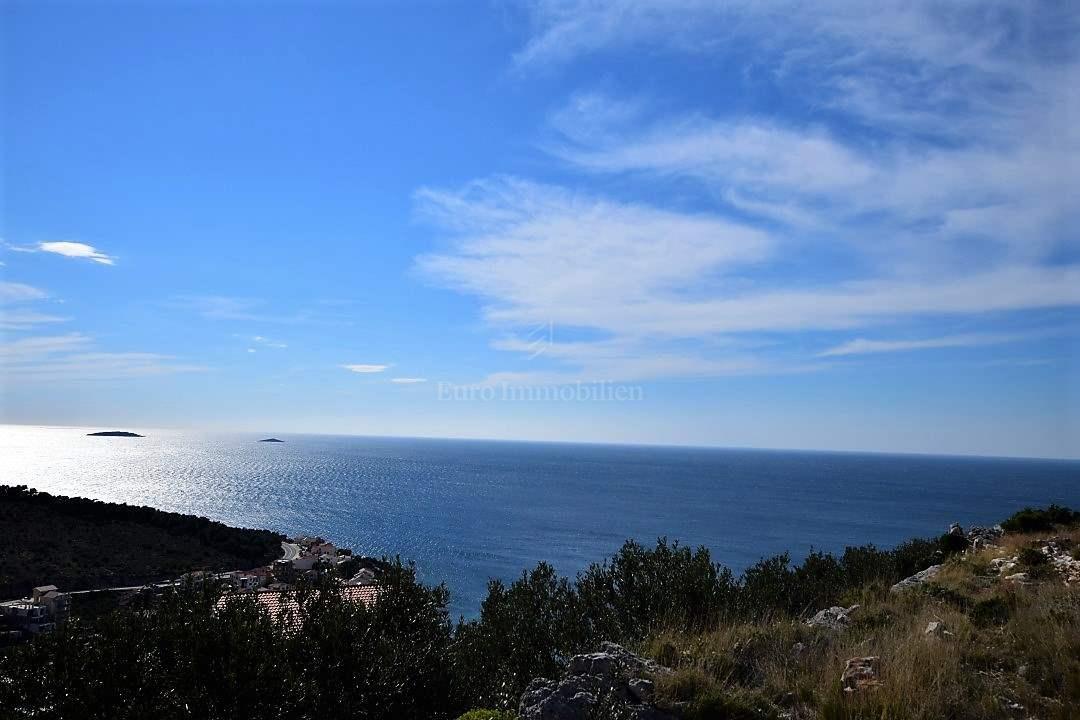 Terreno edificabile con vista sul mare aperto