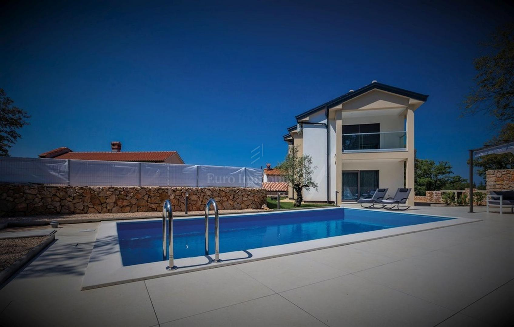 Moderna villa u prirodnom okruženju