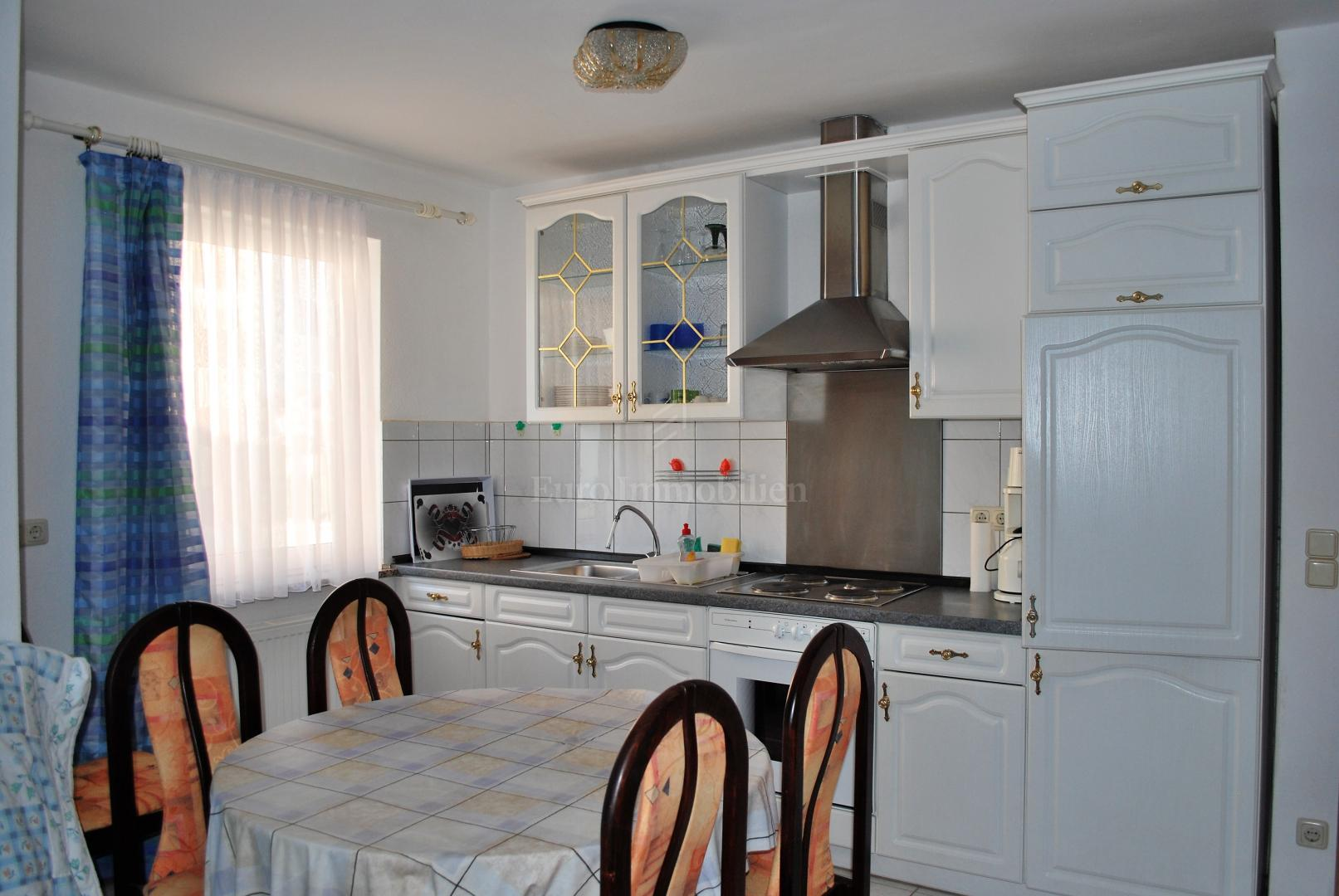 Apartment in a quiet location near the town