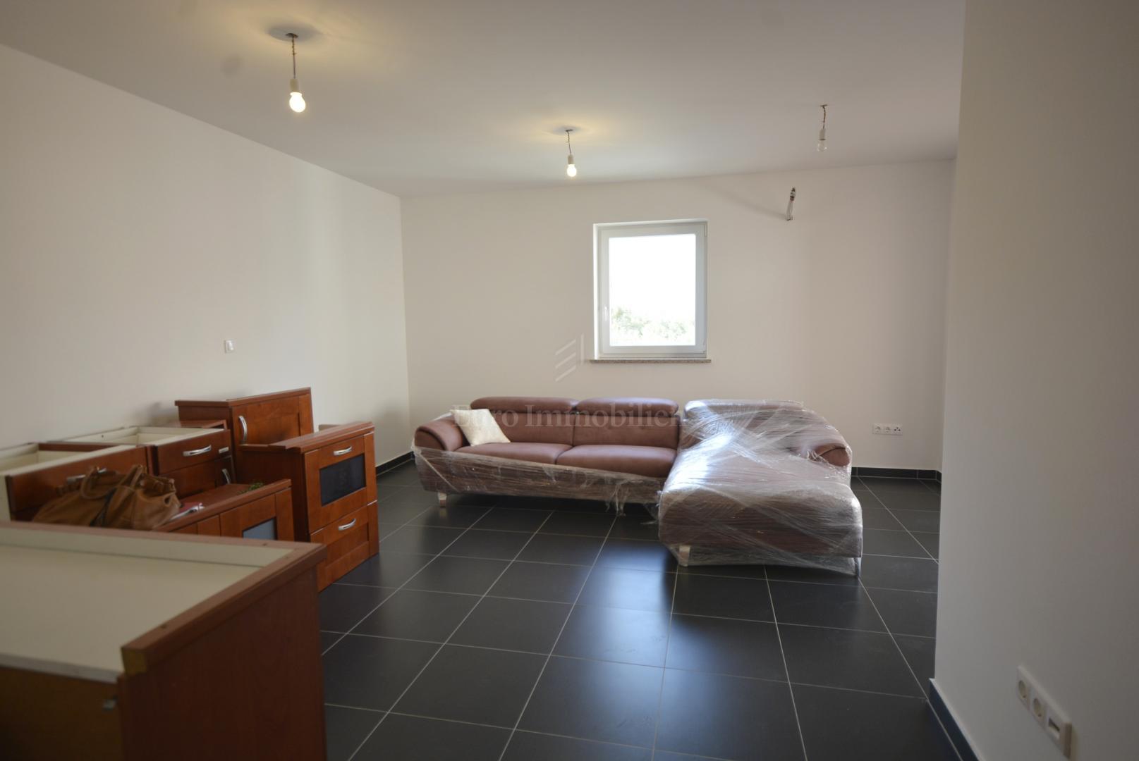 Appartamento non usato con due camere da letto al primo ...
