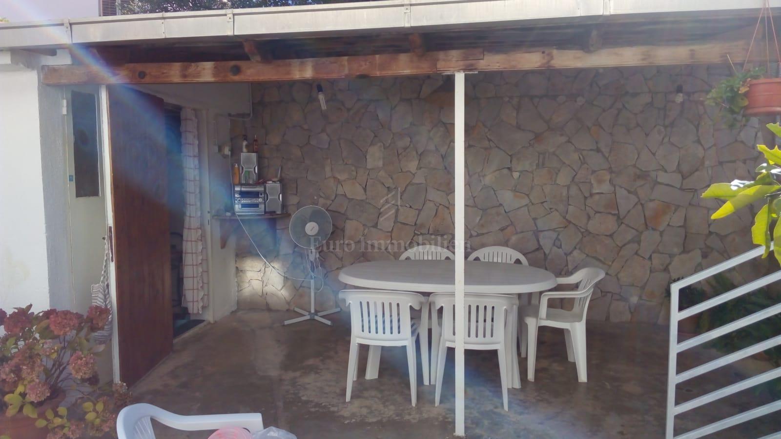 Samostojeća kuća blizu mora