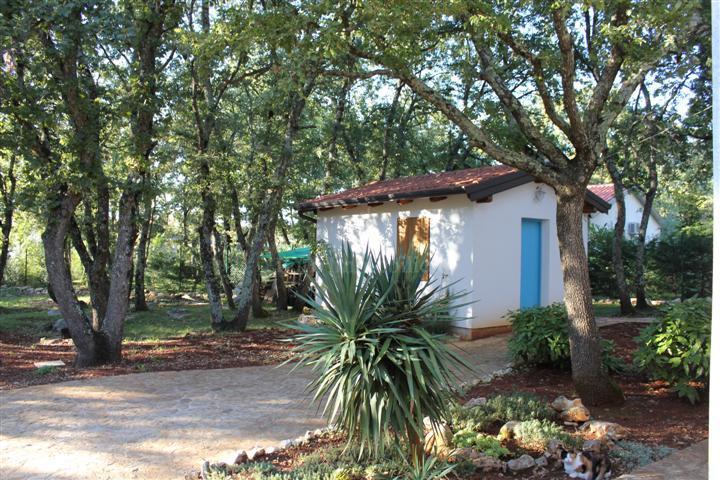 Kuća na prostranoj parceli, mogućnost izgradnje još jednog objekta!