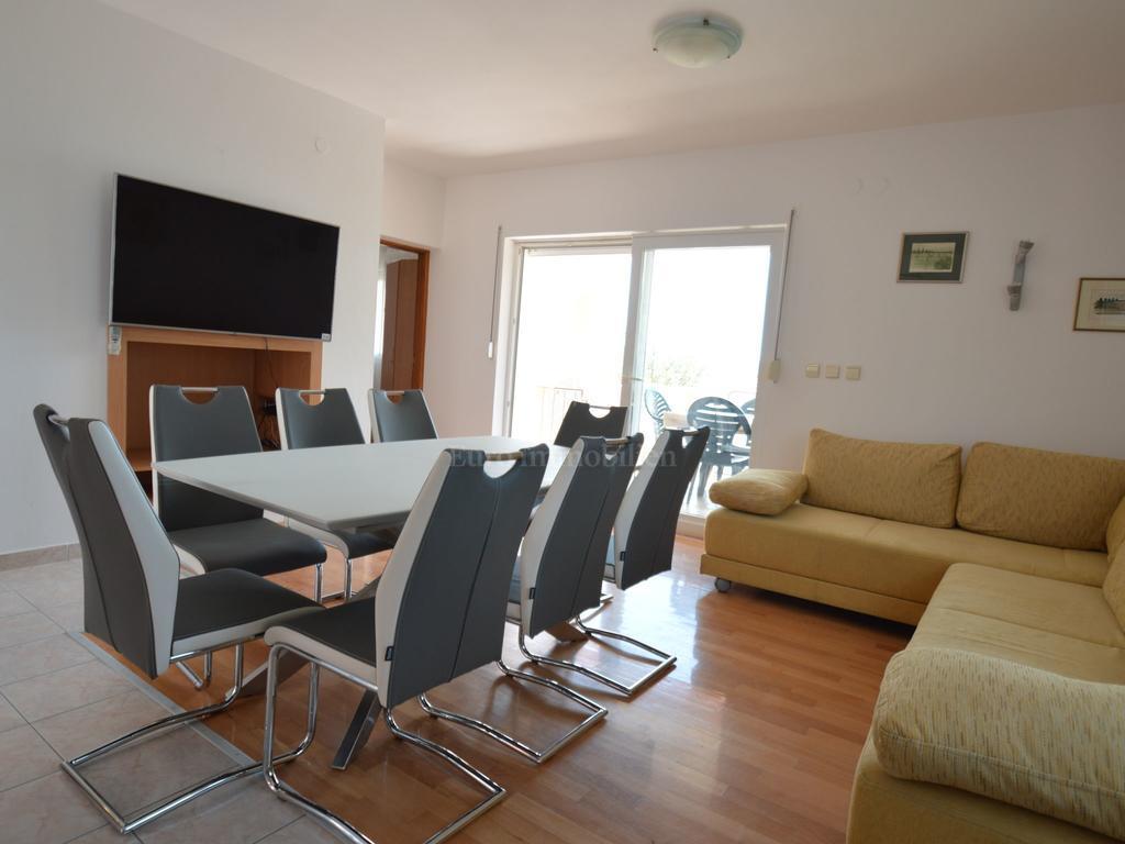 Casa familiare con quatro appartamenti a 100 m dal mare