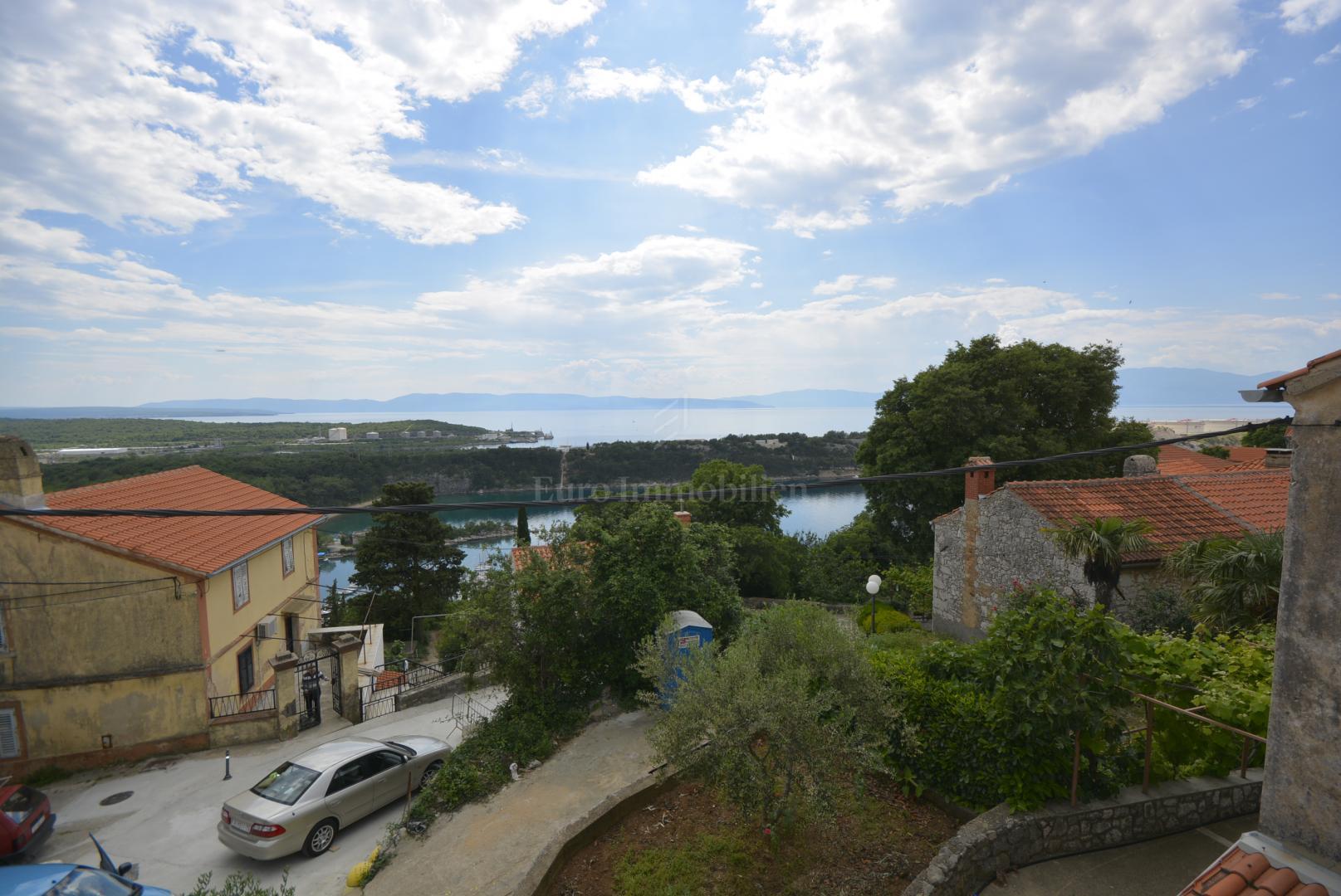 Kuća u nizu s pogledom na more