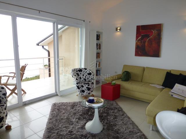 Moderno dizajnirani apartman s panoramskim pogledom na more