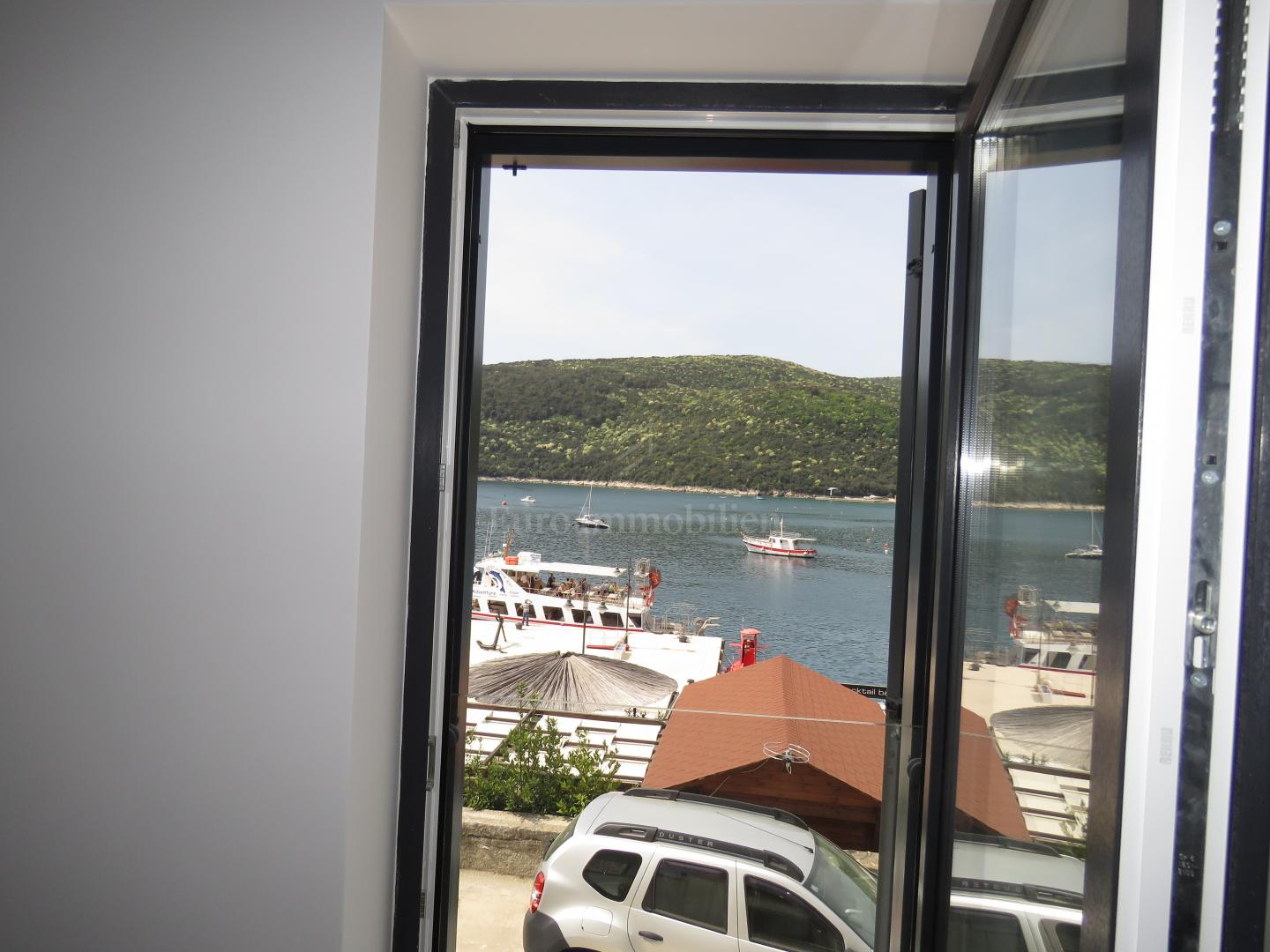 New apartment on the top location 10 m from the sea
