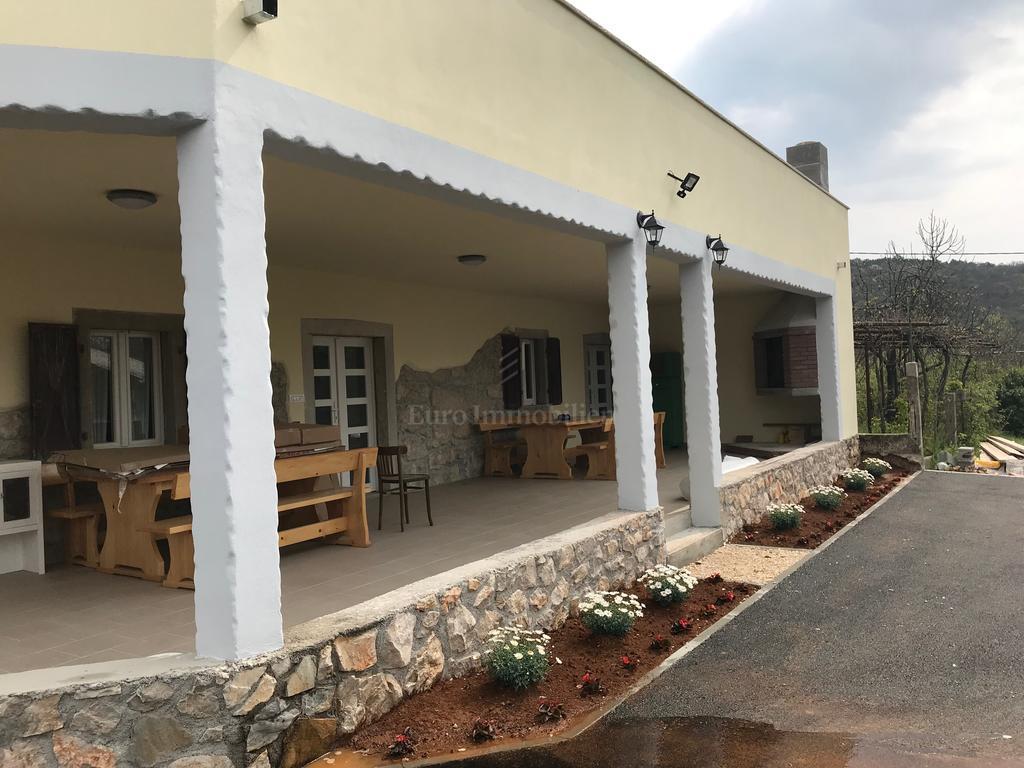 Poslovna investicija u okolici Labina