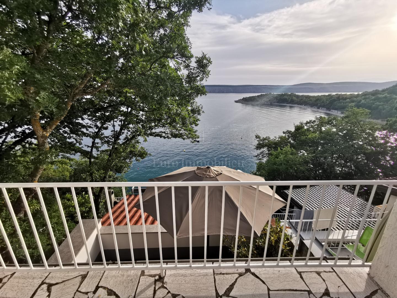 Casa in una posizione eccezionale! Fantastica vista sul mare! Due unità abitative!