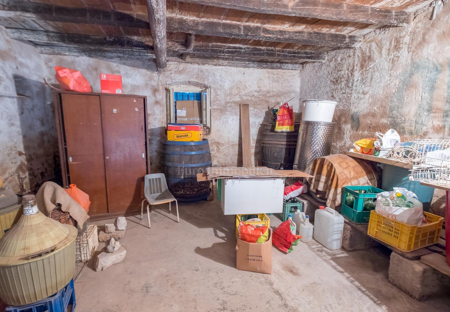 Potenziale! Tenuta tradizionale istriana con due case di pietra!