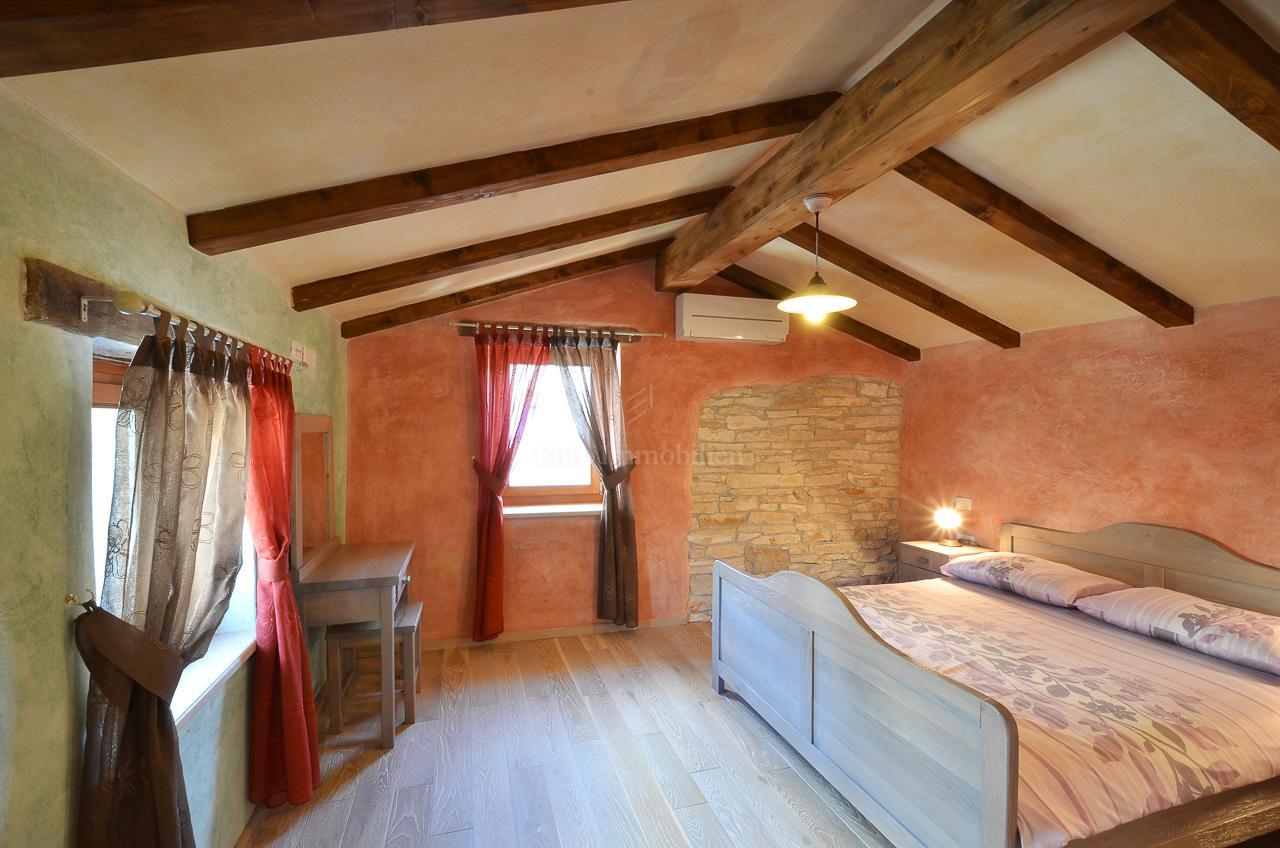 Dvije renovirane kamene kuće tradicionalnog istarskog šarma!