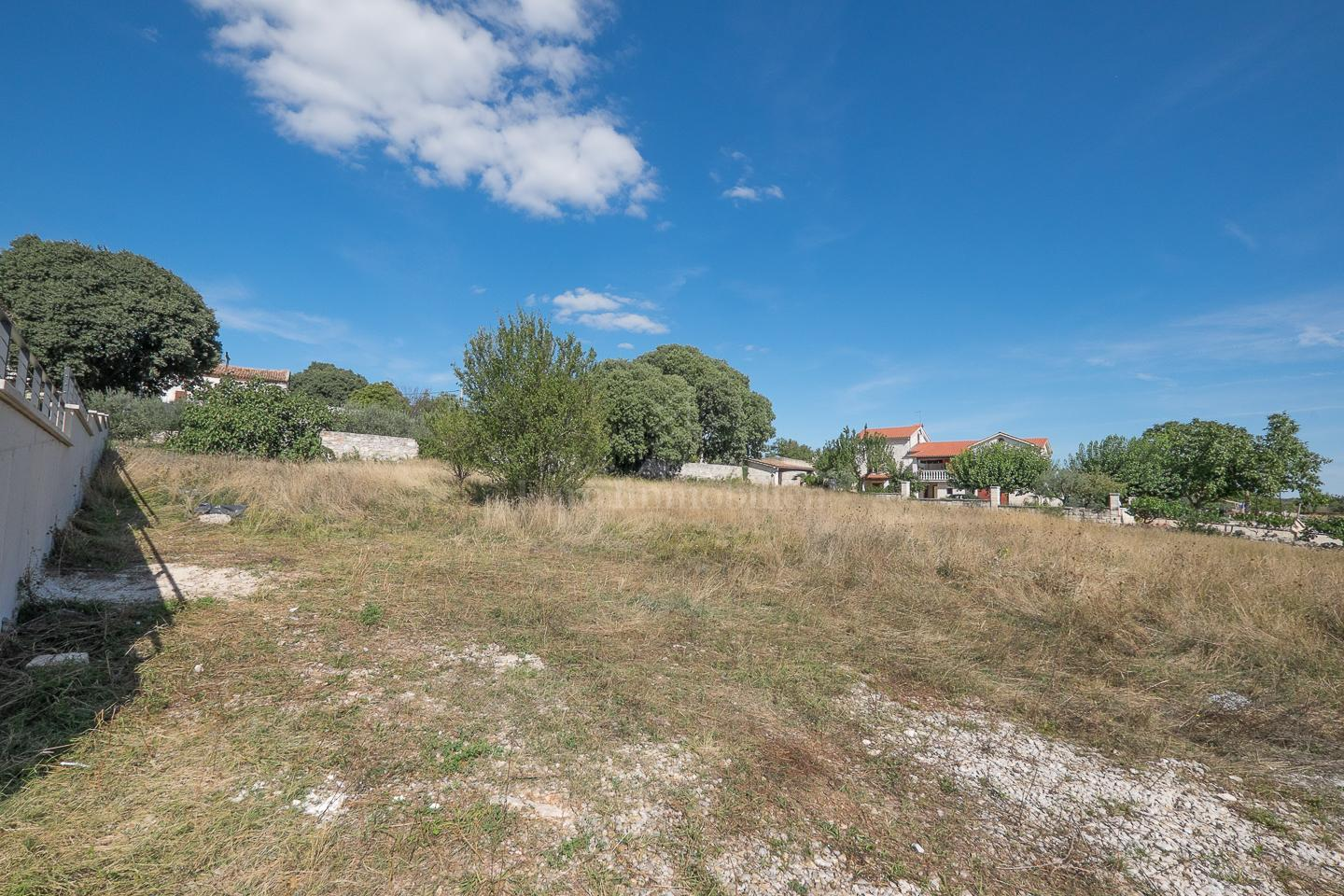Building land with sea view and building permit!
