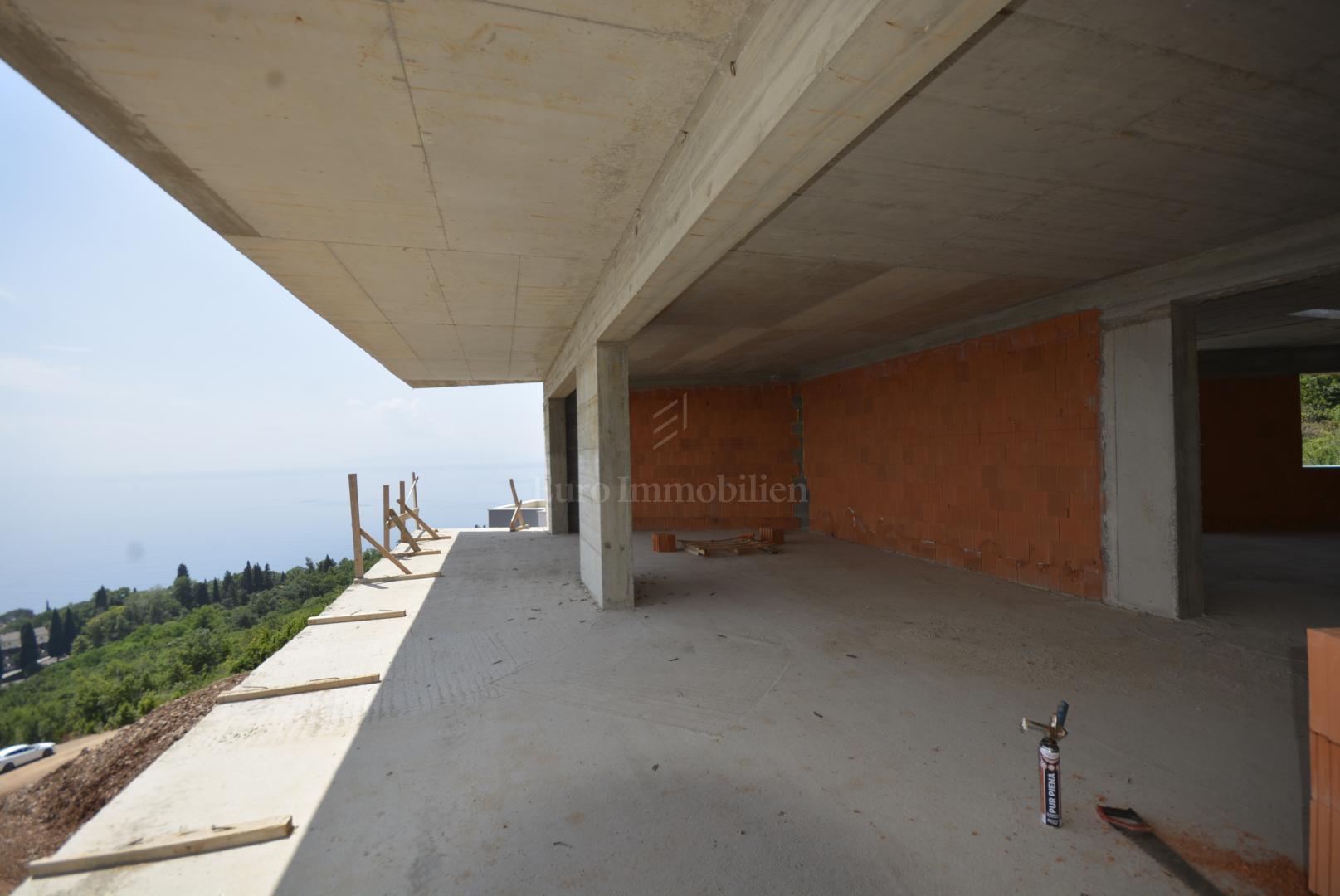 Novogradnja! Panoramski pogled na more! Parkirno mjesto u garaži!