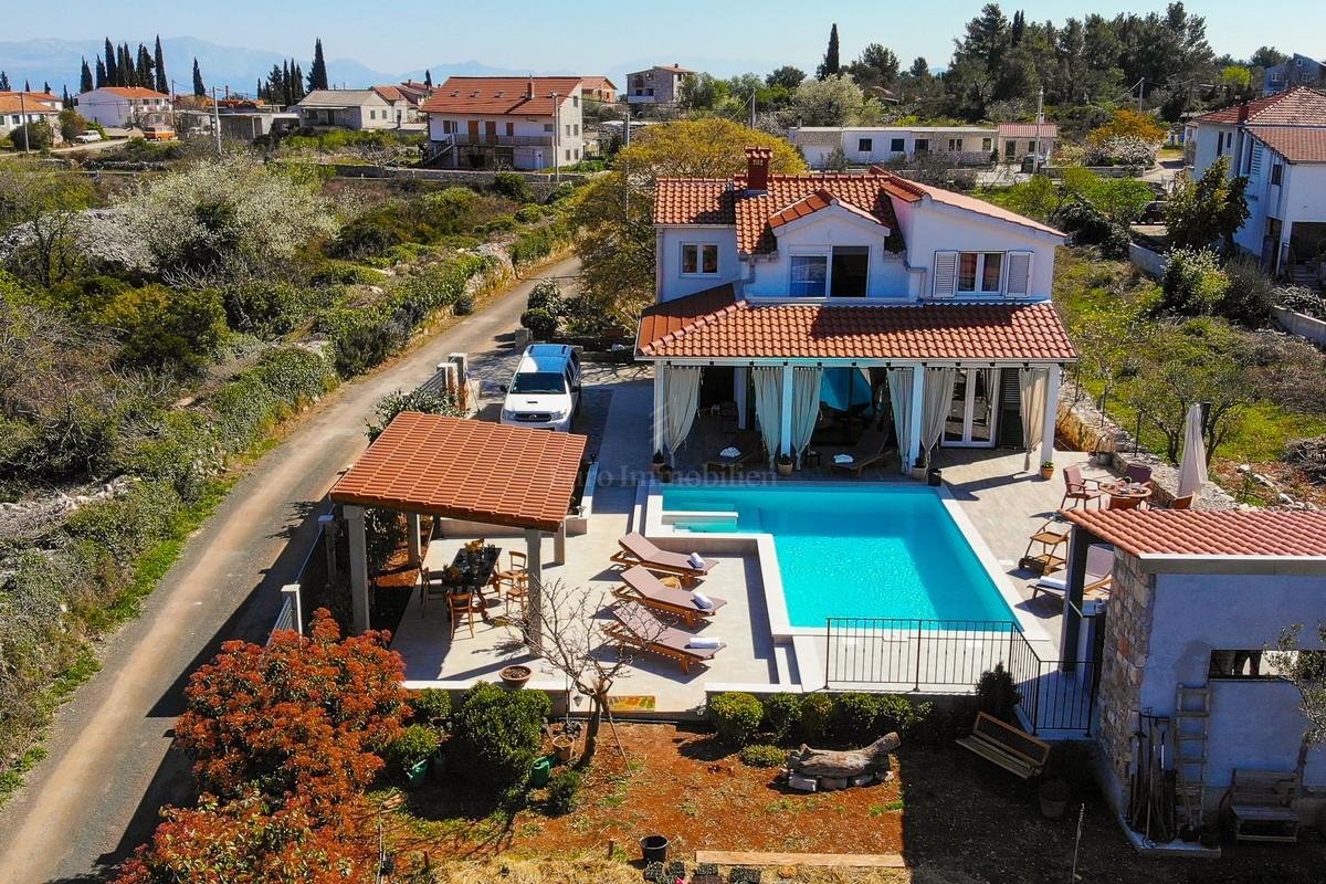 Šarmantna villa u idiličnom okruženju!