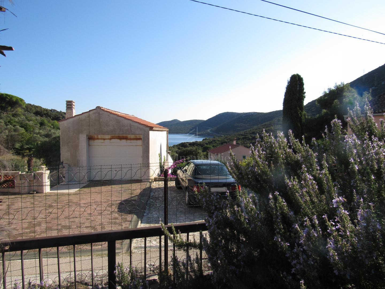 Dvojna kuća - 500 metara od mora