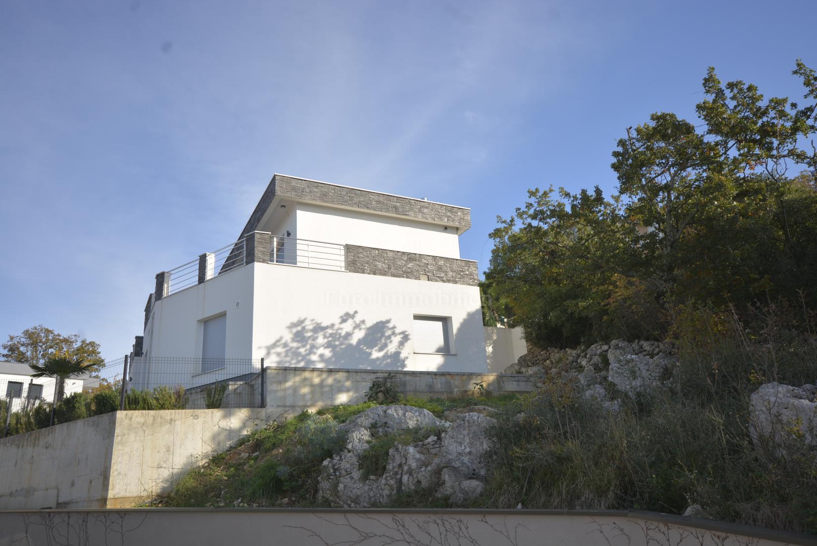 Hiša Omišalj, 200m2