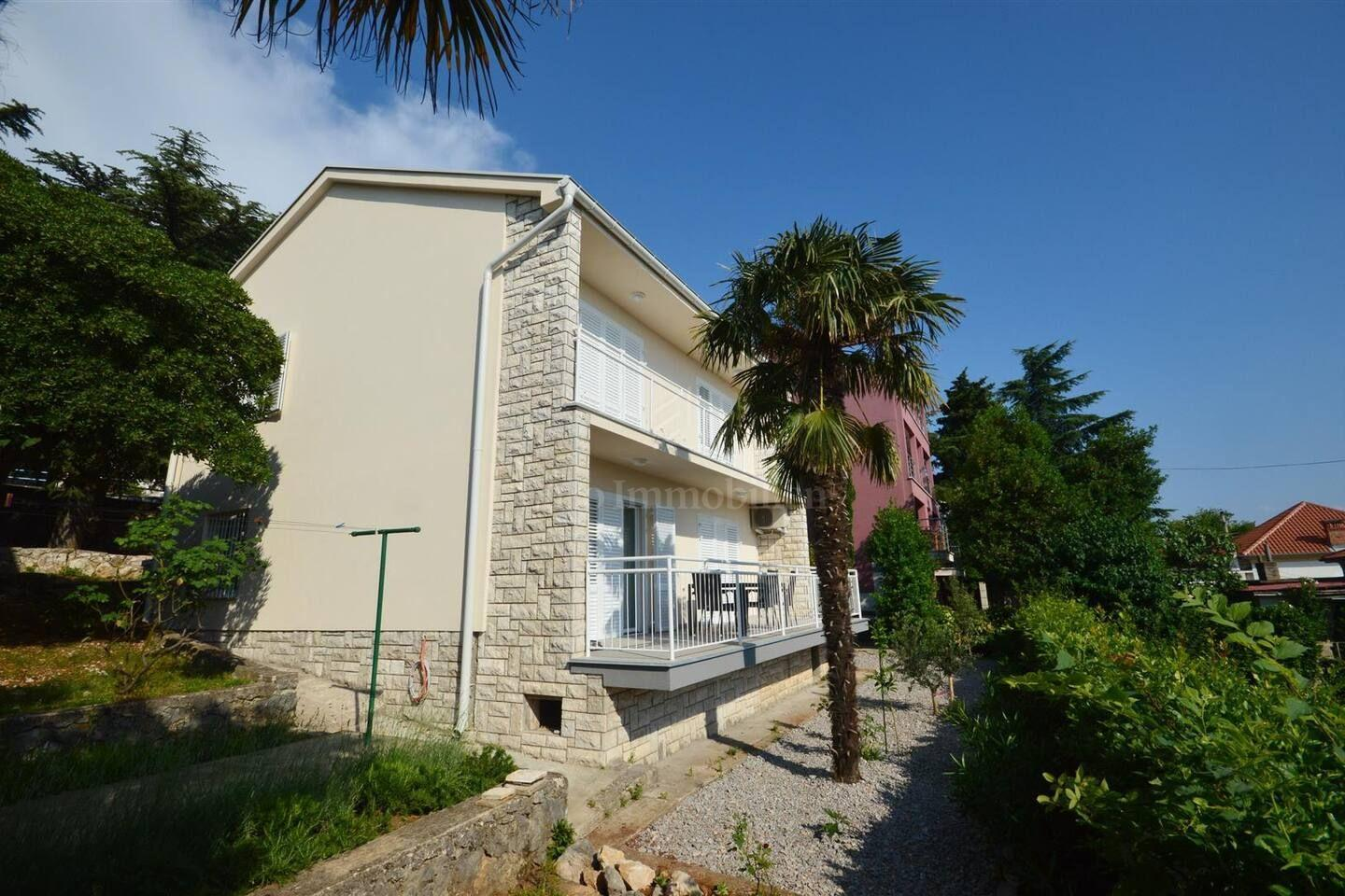 Detached house, 50 m from the sea!