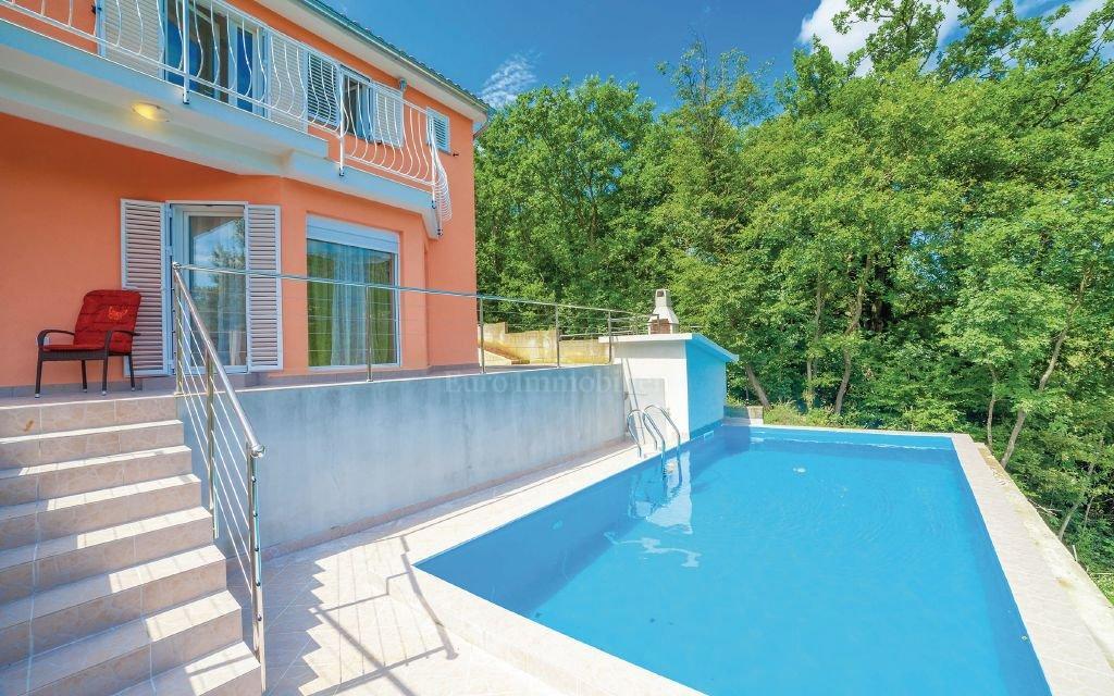 Bribir kuća sa bazenom