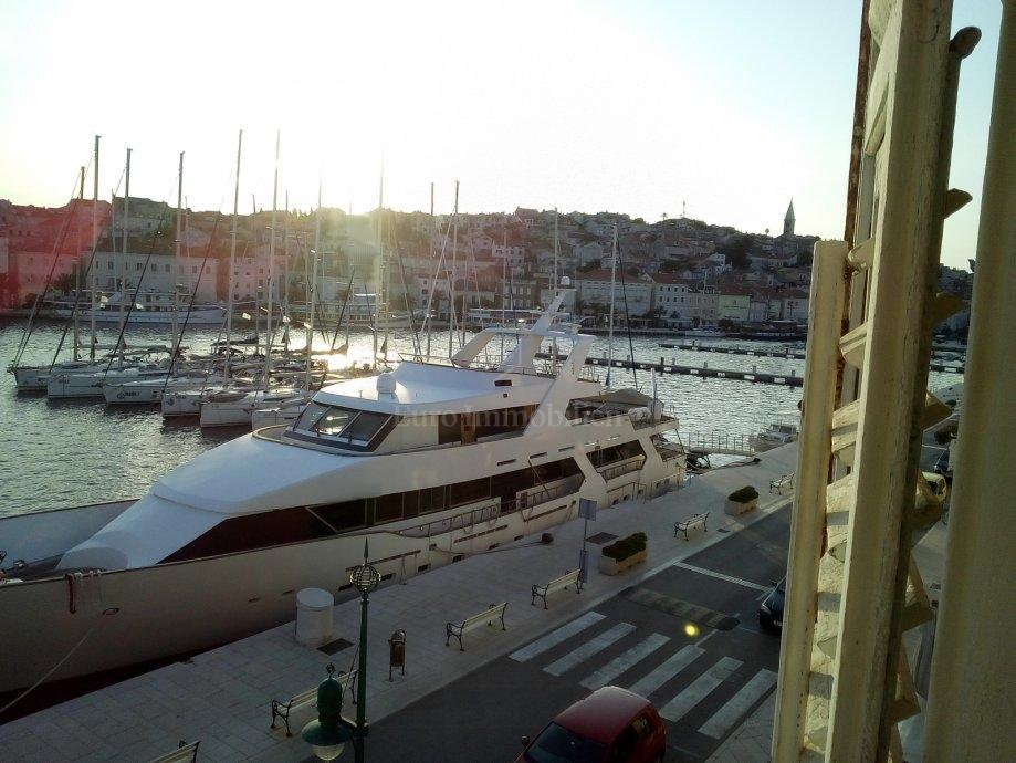 Apartman u prvom redu do mora s predivnim pogledom!