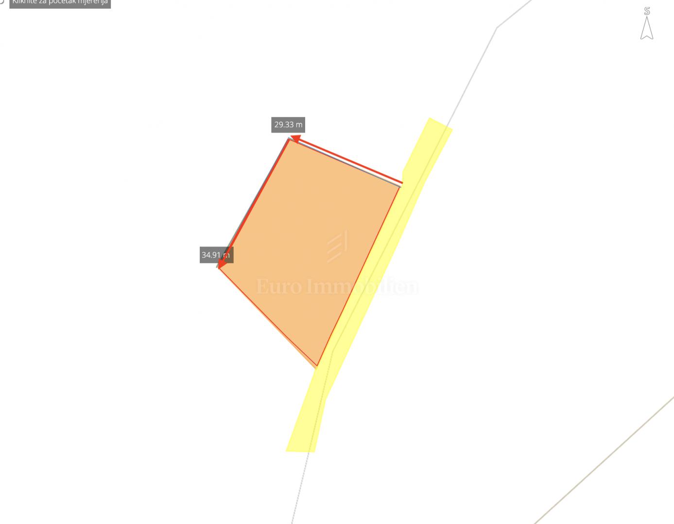 Građevinsko zemljište u malom mjestu blizu Rovinja