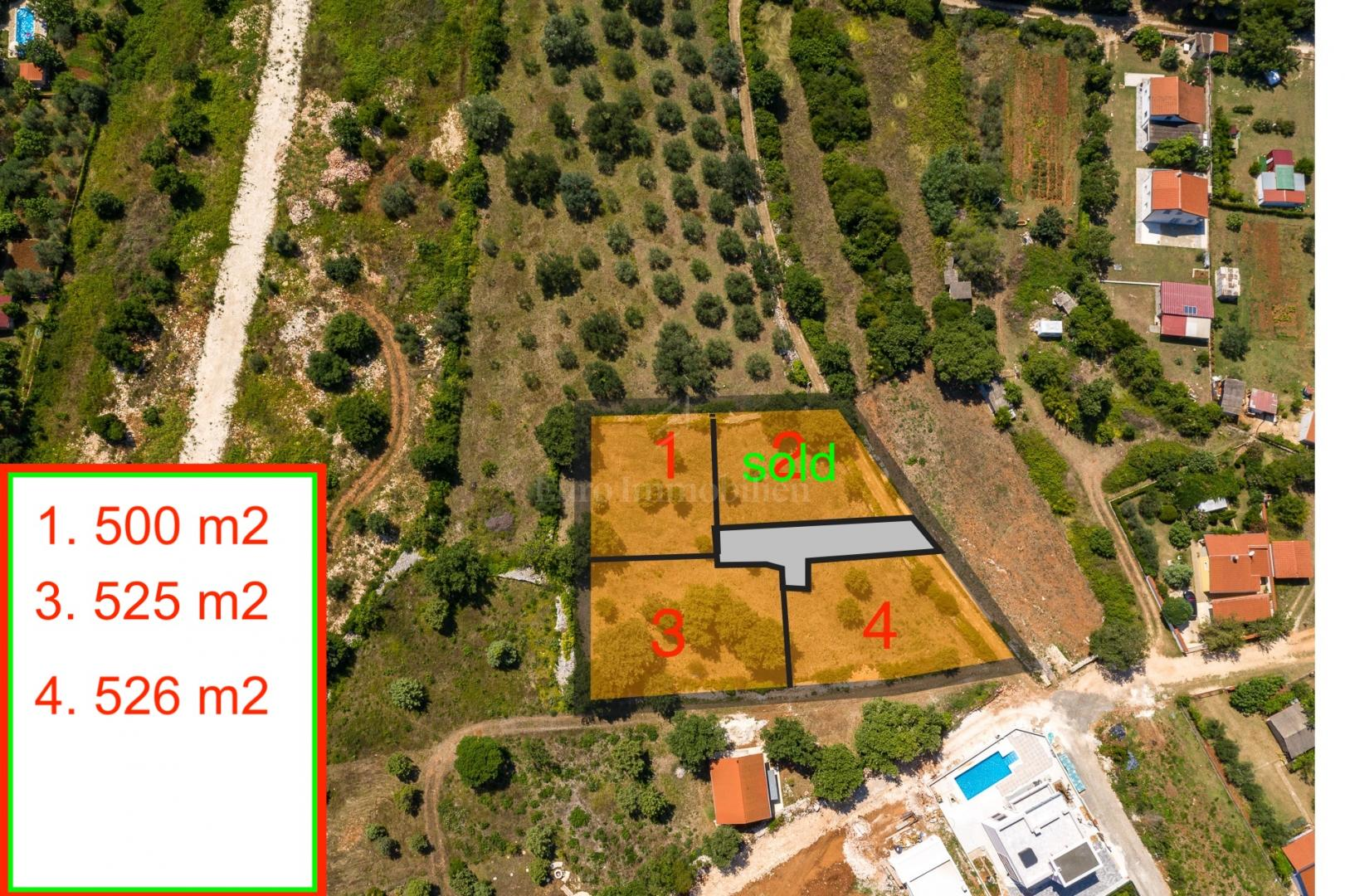 Građevinsko zemljište 525 m2!