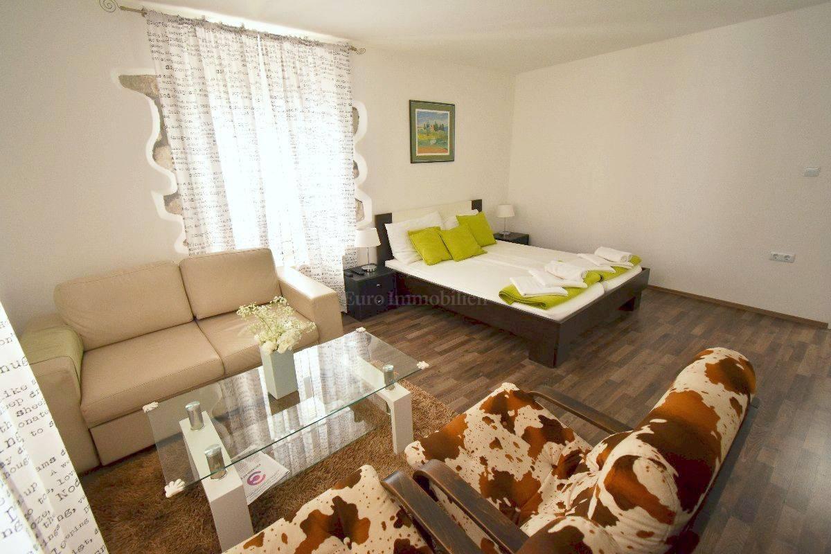 Schöne Wohnung im Herzen der Altstadt von Krk!