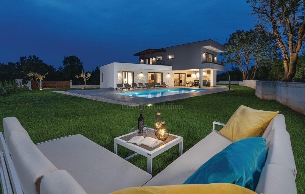 Villa in vendita vicino a Rovigno e vicino al mare, Croazia