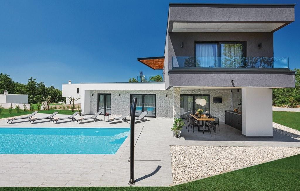 Villa for sale near Rovinj near the sea, Croatia