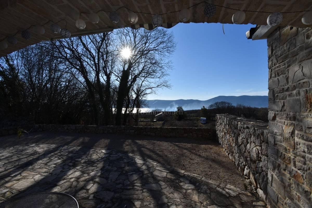 Bella casa in pietra con vista sul mare! Isola di Krk!
