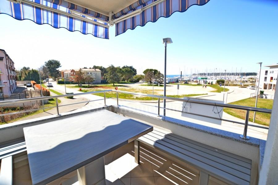 Apartment with sea and marina view!