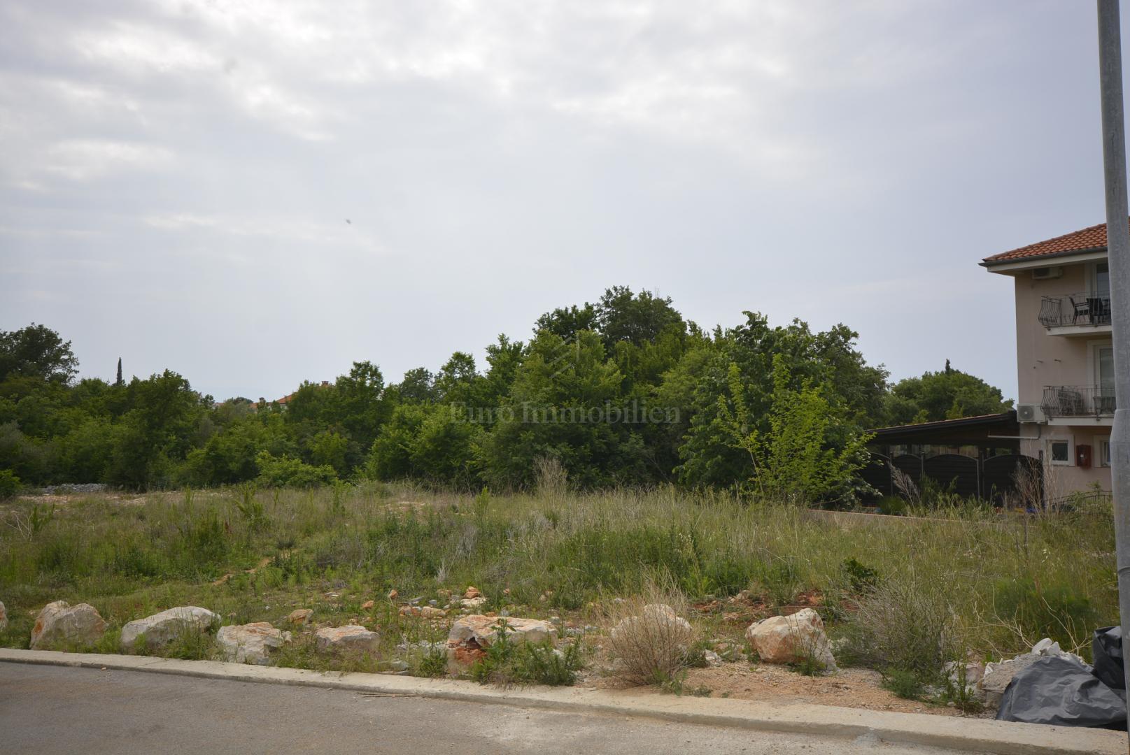 Atraktivno zemljište u blizini centra Malinske