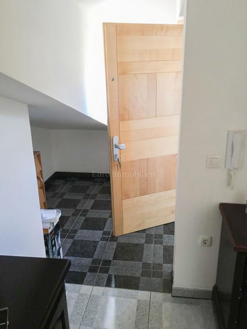 Jadranovo, one bedroom flat with living room, 80 m2