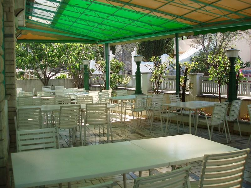 Guest house with restaurant of 600 m2