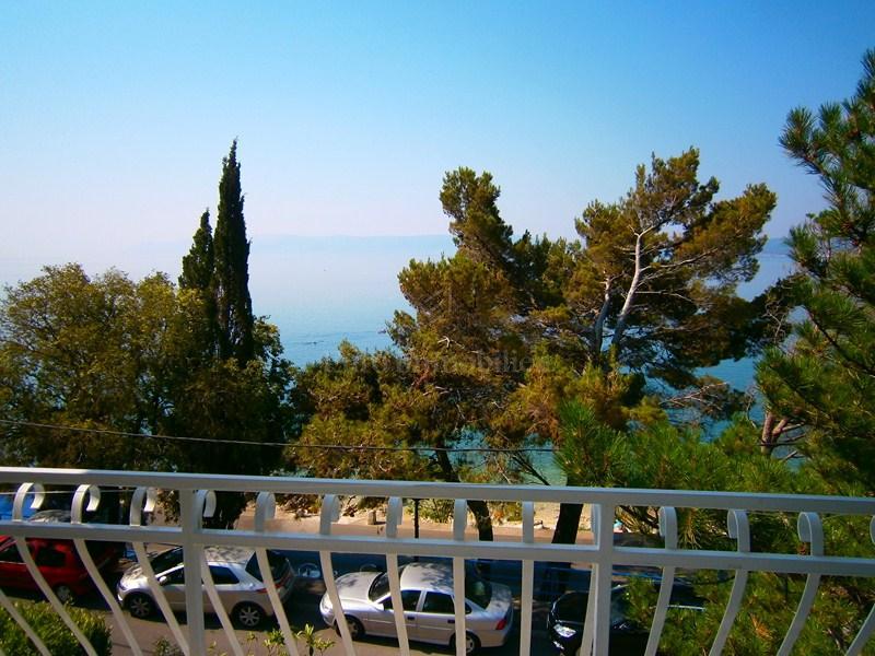 Dva samostojeća turistička objekta 10 m od plaže