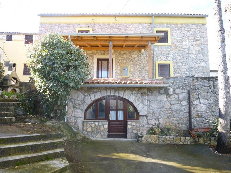 Renovated stone house 150 m2
