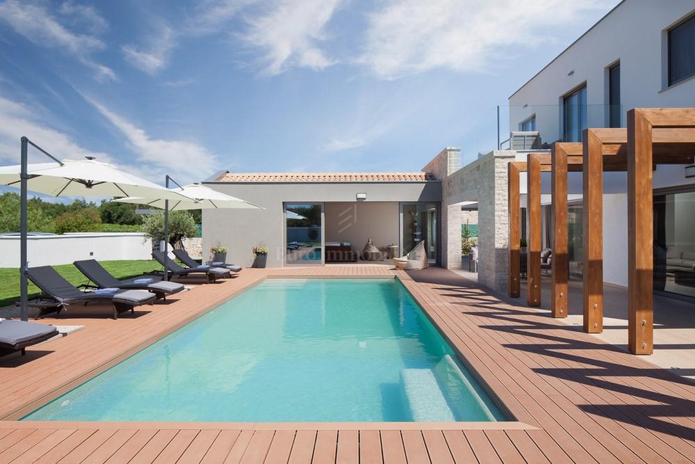 Moderne Sommerküchen : Moderne villa mit swimming pool haus