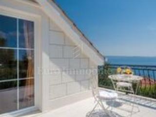 Bella villa con vista sull'isola di Brac
