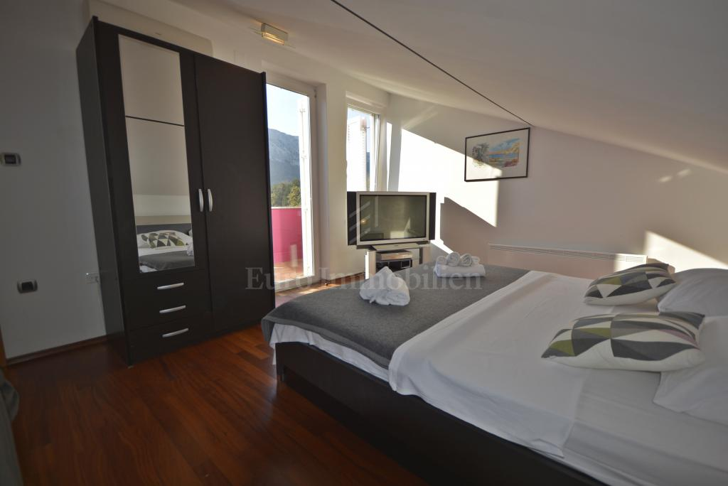 Dvoetažni apartman u Baškoj
