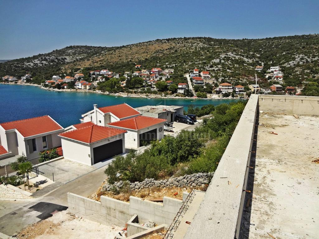 Rogoznica - villa u izgradnji, blizina mora