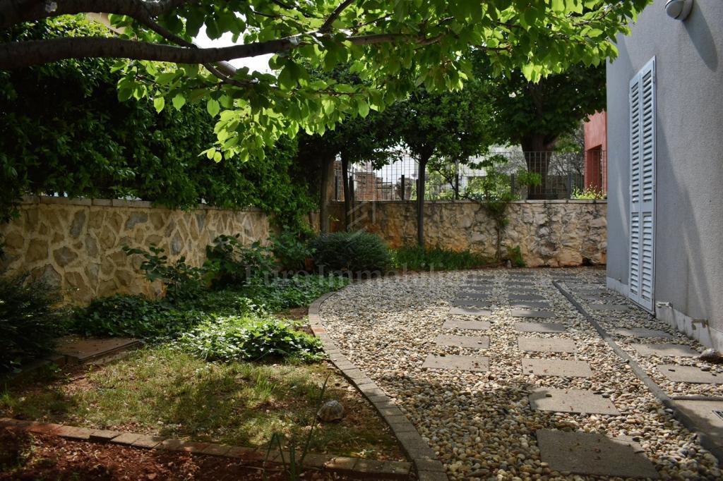 Zadar - two-storey apartment with garden