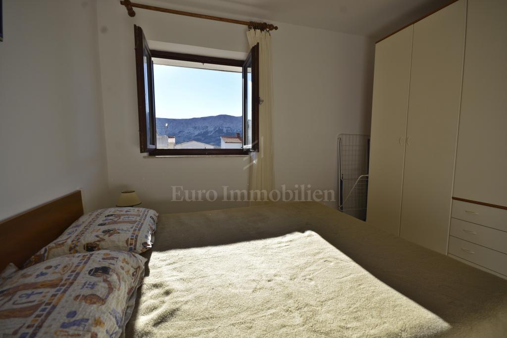 Baška - namješten apartman na dobroj lokaciji